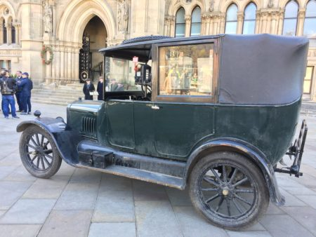 Heritage Car outside City Hall