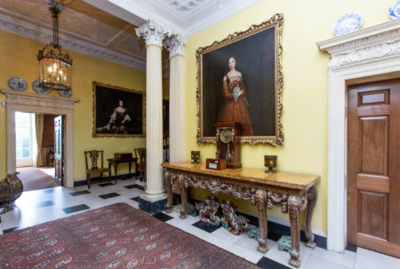 Front Entrance Hall-web