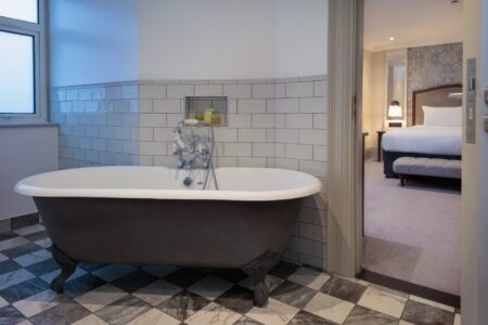 Majestic Hotel Harrogate - Bathroom Rolltop Bath 1 (1)